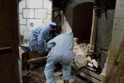 Viridian Glass Factory Job - Working in Hot Conditions